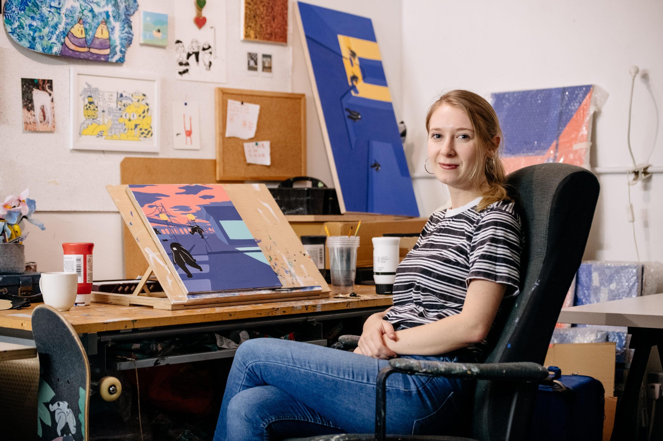 Eloise Dör Illustrator sitting at her desk